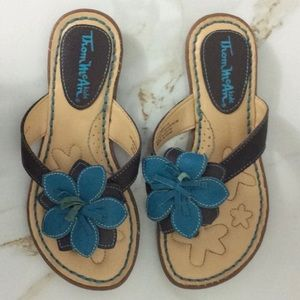 Thom McAn Girl's Thong Sandals